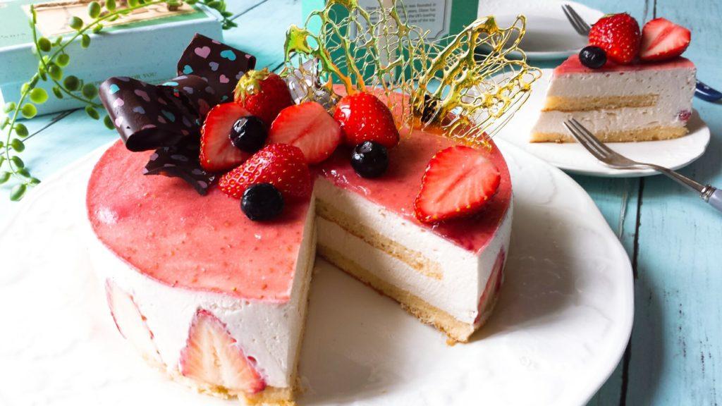 イチゴ レアチーズケーキ デコレーション