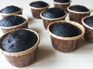 ブラックカップケーキ