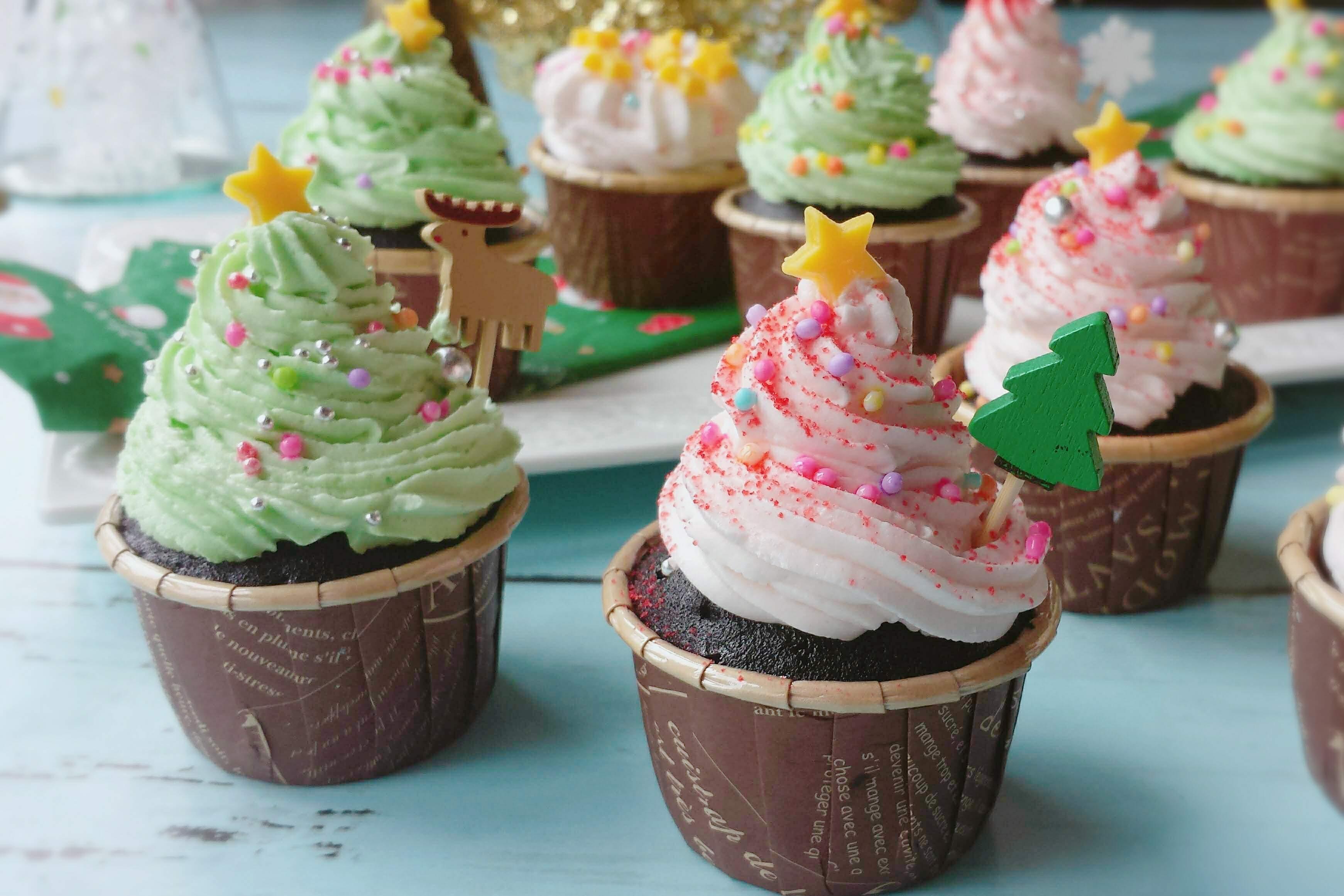 クリスマスカップケーキ 簡単