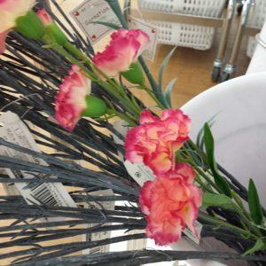 ダイソー カーネーション 造花