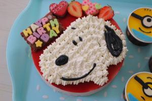 誕生日ケーキ デコレーション