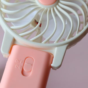 ハンディ扇風機 100均